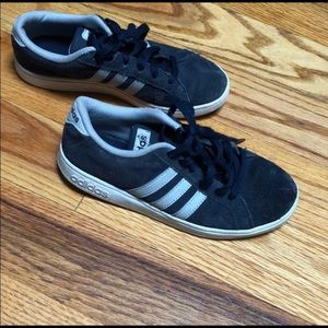 Adidas Somba and Gap lot size 3 sneaker and 8 top